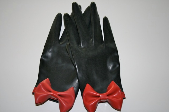 RedBowGloves